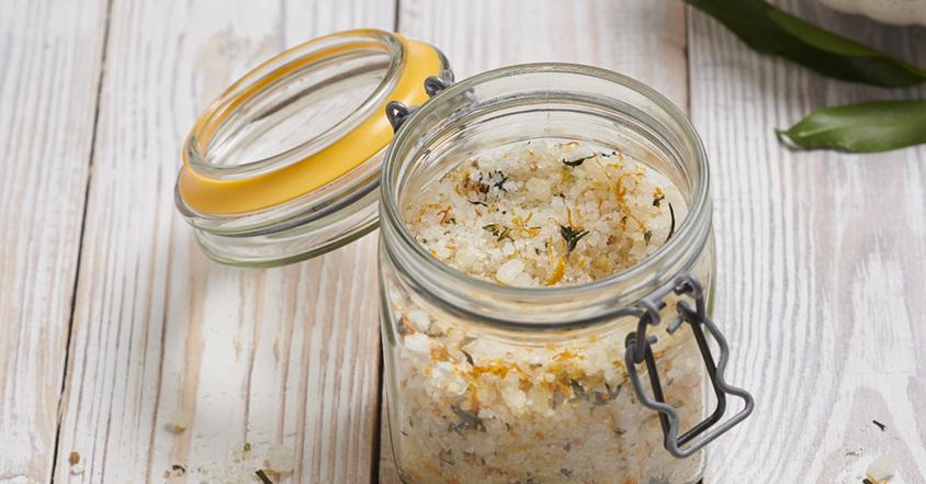 Herbal clementine salt