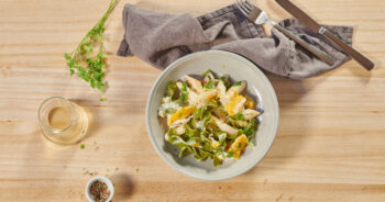 Tagliatelle with asparagus and tender orange fillets